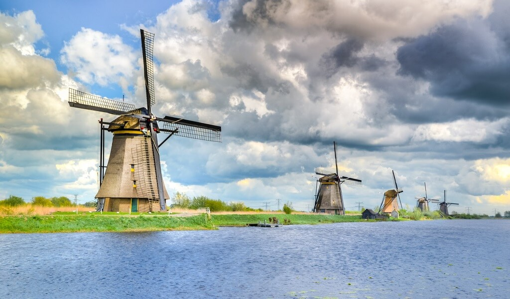 5 things you didn't know about the windmills at Kinderdijk - Cultural Cruises Europe